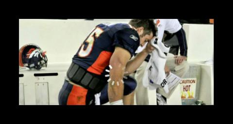 Tim Tebow Draws Thousands to Easter Service in Texas